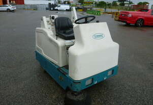 TENNANT 6200 BATTERY POWERED SWEEPER