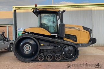 Challenger MT 738 Tracked Tractor