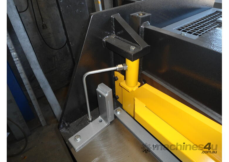 3080mm x 4mm Australian made hyd guillotine