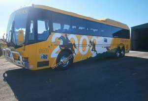 HINO RV730P TAG AXLE COACH, 2000 BODY