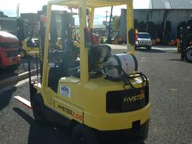 TOYOTA HYSTER COMPACT CONTAINER ACCESS MAST  - picture1' - Click to enlarge