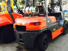 Flexilift 6-10 ton FD Series Forklift - picture1' - Click to enlarge