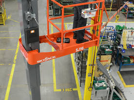 Skyjack Self Propelled Personnel Lift - picture0' - Click to enlarge