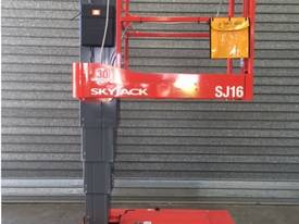 Skyjack Self Propelled Personnel Lift - picture2' - Click to enlarge