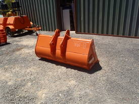 Mud Bucket Suit 12 Tonner - picture4' - Click to enlarge