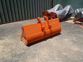 Mud Bucket Suit 12 Tonner - picture6' - Click to enlarge