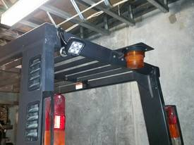 Mitsubishi FG40KL container mast forklift - picture9' - Click to enlarge