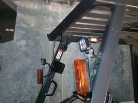 Mitsubishi FG40KL container mast forklift - picture8' - Click to enlarge