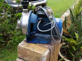 centrifical stainless steel pump - picture0' - Click to enlarge
