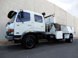 Mitsubishi FM600 Road Maint Truck - picture0' - Click to enlarge