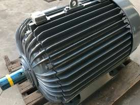 160 kw 220 hp 6 pole 415 volt AC Electric Motor - picture0' - Click to enlarge