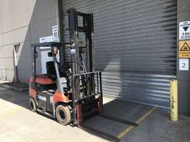 Toyota 7FB25 Electric Counterbalance Forklift - picture1' - Click to enlarge