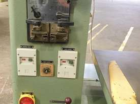 Heska Vertical Metal Bandsaw Great Condition  - picture3' - Click to enlarge