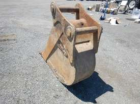 Steel Form 450mm Digging Bucket - picture1' - Click to enlarge