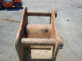 Steel Form 450mm Digging Bucket - picture4' - Click to enlarge