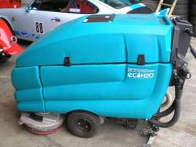 TENNANT - 5700XP Walk Behind Scrubber - picture0' - Click to enlarge