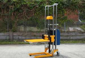 Semi-electric platform lifter / semi-electric stacker