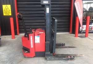 RAYMOND RRS30 1.3T ELECTRIC REACH WALK BEHIND FORKLIFT