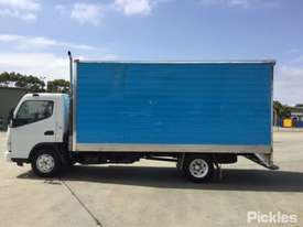 2007 Mitsubishi Canter FE85 - picture4' - Click to enlarge