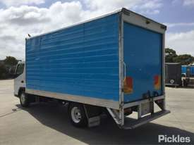 2007 Mitsubishi Canter FE85 - picture5' - Click to enlarge