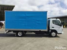 2007 Mitsubishi Canter FE85 - picture7' - Click to enlarge