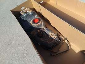 Toyota Hilux Fuel Tank - picture0' - Click to enlarge