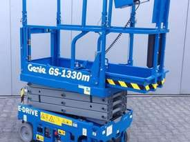 13FT ELECTRIC SCISSOR LIFT GENIE - picture3' - Click to enlarge
