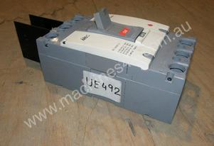 Mec   ABH403a Circuit Breakers.