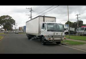 Nissan 1999   PK220 FOR SALE