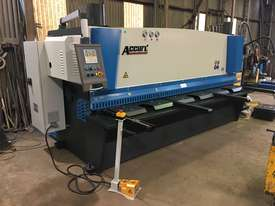 ACCURL Genius MS8-8�3200 CNC Guillotine Shear  - picture10' - Click to enlarge
