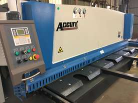 ACCURL Genius MS8-8�3200 CNC Guillotine Shear  - picture11' - Click to enlarge