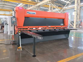 ACCURL Genius MS8-8�3200 CNC Guillotine Shear  - picture13' - Click to enlarge