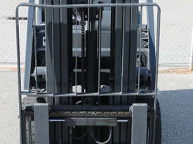 Used Nissan LPG Forklift - picture1' - Click to enlarge