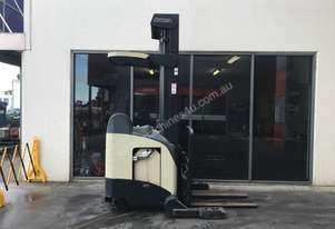 Crown RR5020 Reach Forklift Forklift