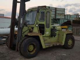 Clark Container Handler 8 Tonne Forklift - picture0' - Click to enlarge