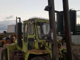 Clark Container Handler 8 Tonne Forklift - picture1' - Click to enlarge
