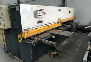 Just In - MAXI - 4000mm x 6.5mm Hydraulic Metalworking Guillotine