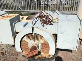 400 kw 6 pole 6600 volt AC Electric Motor - picture1' - Click to enlarge