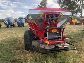 2018 IRIS VIKING 6000SL TRAILING BELT SPREADER (6000L) - picture3' - Click to enlarge