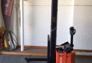 BT   FORKLIFTS SWE120I