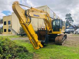 Komatsu PC210 Tracked-Excav Excavator - picture3' - Click to enlarge
