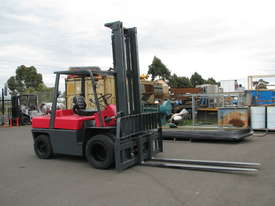Nissan F03 LPG Forklift - 5m High 4 Ton 4000kg Capacity - picture0' - Click to enlarge