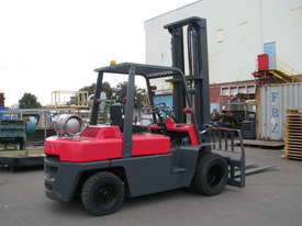 Nissan F03 LPG Forklift - 5m High 4 Ton 4000kg Capacity - picture1' - Click to enlarge