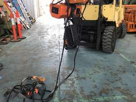 Hitachi Electric Chain Hoist 1 Ton x 6meters 3 Phase 415 Volt Electric Shop Crane - picture5' - Click to enlarge