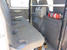 2011 Hino 300C Dual Cab  4x2 Light Truck  - picture15' - Click to enlarge