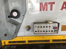 Used CMT 06 x 4000 mm Guillotine - picture1' - Click to enlarge