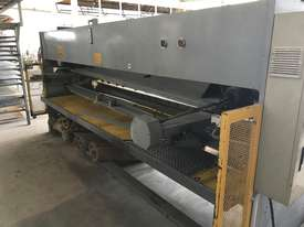 Used CMT 06 x 4000 mm Guillotine - picture2' - Click to enlarge