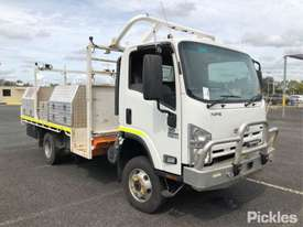 2015 Isuzu NPS300 - picture1' - Click to enlarge