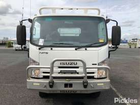 2015 Isuzu NPS300 - picture2' - Click to enlarge