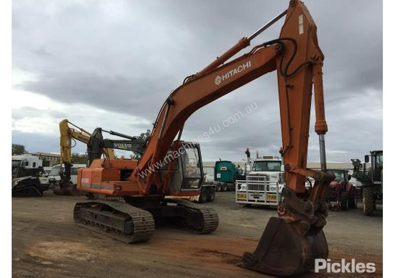 Used Hitachi EX220 Excavator Wrecking in , - Listed on Machines4u